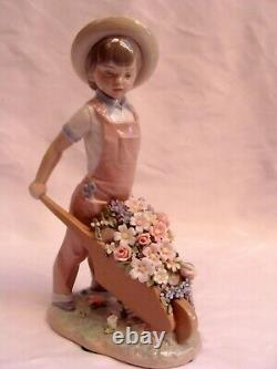 Magnificent Lladro Figurine The Boy With Flowers Must See