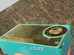 RARE SENTINEL 1956 MAGNAVOX AM-2 Transistor RADIO USA BLUE MUST SEE LOW $