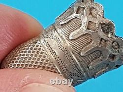 Ultra rare intact 16/17 hundreds solid silver thimble A must see description L9p