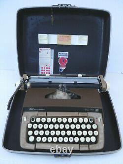Vintage 1972 Smith Corona Galaxie Twelve XII Typewriter 6MLC with Case MUST SEE